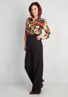 Go For the Bold Pants in Black. Aim for first-place panache with these black trousers! #black #modcloth