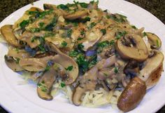 Bobbi's Kozy Kitchen: Rachael Ray Wednesday - Chicken with Wild Mushrooms and Balsamic Cream Sauce