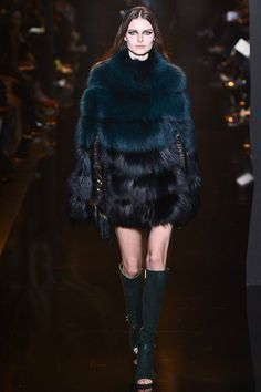 Elie Saab - Fall 2015 Ready-to-Wear - Look 20 of 58