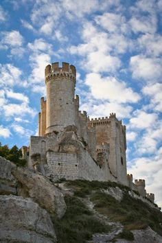 """CASTLES OF SPAIN - Peñafiel Castle situated in Valladolid province. Is one of the most important fortresses of medieval Castile it was an important point on the line of defence of the river """"Duero"""", for both Christians and Moors, during the 9th/10th centuries. When this fortress was finally conquered by Count Sancho Garcia, he planted his lance at the top of the hill and exclaimed """"This will be Castile's Faithful Rock!"""", and so it received its present name."""
