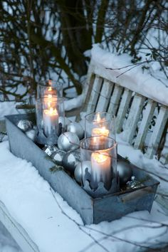 Decoration and craft ideas for Advent- Deko- und Bastelideen für den Advent Decoration for the garden. Candles in the snow. >> The beautiful Advent season - Christmas Garden, Noel Christmas, Country Christmas, Winter Garden, Outdoor Christmas, All Things Christmas, Winter Christmas, Christmas Crafts, Christmas Porch