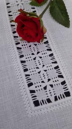 Drawn Thread, Thread Work, Hardanger Embroidery, Hand Embroidery, Needlepoint, Diy Crafts, Crafty, Stitch, Knitting