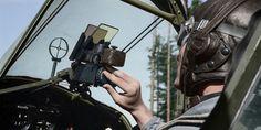 Lentolaivue 32:n ohjaaja Curtiss Hawk 75A hävittäjän ohjaamossa. SA-kuva, värittänyt Tommi Rossi.