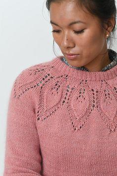 Ravelry: Dahlia Mysize Solo pattern by Lene Holme Samsøe Baby Knitting Patterns, Lace Patterns, Stitch Patterns, Knit Picks, Work Tops, My Size, Dahlia, Pretty Outfits, Knit Crochet