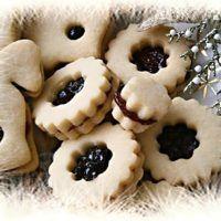 Myslíme si, že by sa vám mohli páčiť tieto piny - sbel Christmas Sweets, Christmas Candy, Christmas Baking, Czech Recipes, Holiday Cookies, Macaroons, Great Recipes, Cupcake Cakes, Cupcakes