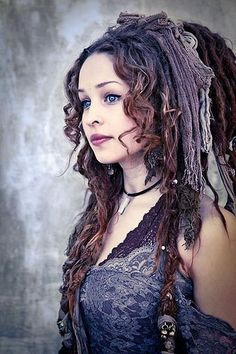 I love dreads. Do you have dreads? Other Articles on Dreads: 17 Dreaded Goths & Tips for Caring for Dreads (Gallery Moda Steampunk, Steampunk Fashion, Steampunk Pirate, Steampunk Clothing, Bohemian Gypsy, Gypsy Style, Bohemian Hair, Hippie Chic, Up Girl