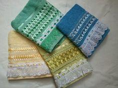 Toalha de rosto bordado em fitas toalhas de otima qualidadade da KARSTEN ,CASA IN,DOHLER consulte nos sobre   cores e modelo.   SÓ CLIQUE EM COMPRAR SE VC TIVER CERTEZA DA COMPRA!!!!!!!!! R$ 24,99