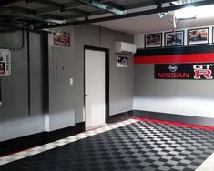 50 Garage Paint Ideas For Men - Masculine Wall Colors And Themes Garage Paint Colors, Painted Garage Walls, Garage Floor Paint, Wall Colors, Painted Garage Interior, Garage Flooring, Man Cave Garage, Car Garage, Garage Doors