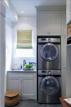 There are so many exciting small laundry room design ideas that you can apply for your small laundry room. Having a laundry room in your house is definitely a must. Grey Laundry Rooms, Laundry Room Sink, Laundry Room Layouts, Basement Laundry, Laundry Room Organization, Laundry Room Design, Organization Ideas, Laundry Area, Basement Apartment