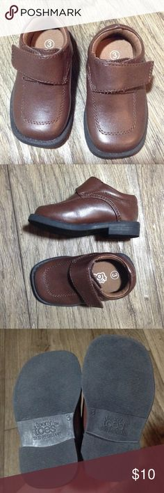 NWOB Teeny toes brown infant dress shoes sz3 Teeny toes brown infant dress shoes with Velcro strap and are skid resistant. Size 3 NWOB Shoes Dress Shoes