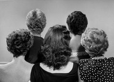 A backside look at five 1940s hairstyles. #vintage #1940s #hair