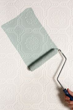 Karens Craft room:Alakerran vessan seinään nykyisen tilalle? Graham & Brown Floral Square Paintable Wallpaper