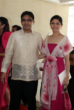 Barong Tagalog For Women, Modern Filipiniana Dress, Filipino Fashion, Kimono, Business Dresses, How To Look Classy, Traditional Dresses, Evening Gowns, Lace Dress