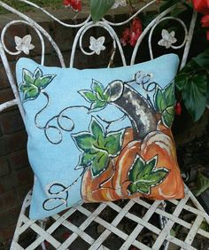 Pumpkin Pillows, Diy Pillows, Pillow Ideas, Fall Crafts, Halloween Crafts, Halloween Ideas, Fabric Painting, Canvas Fabric, Home Design