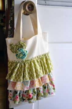 Ruffle tote tutorial with flowers