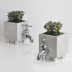 DIY cute concrete planters!