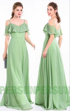 196423a8e0c4b Robe de soirée longue fluide verte amande épaules découvertes avec fines  bretelles à volants