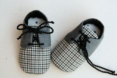 Baby boy shoes, grey oxfords sneakers crib booties, newborn flats, infant slippers, matching bow tie available