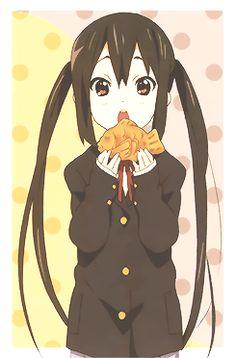Azusa nyan, from k-on K On Anime, Kawaii Anime, Manga Anime, Anime Art, Anime Girls, Azusa Nakano, Anime Girl Brown Hair, Kyoto Animation, Costumes