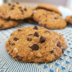 oatmeal cookies / oatmeal cookies _ oatmeal cookies easy _ oatmeal cookies healthy _ oatmeal cookies chewy _ oatmeal cookies recipes _ oatmeal cookies chocolate chip _ oatmeal cookies easy 2 ingredients _ oatmeal cookies with quick oats Healthy Oatmeal Cookies, Oatmeal Cookie Recipes, Oatmeal Chocolate Chip Cookies, Easy Cookie Recipes, Easy Desserts, Fudge Cookies, Chocolate Fudge, Oatmeal Diet, Almond Cookies