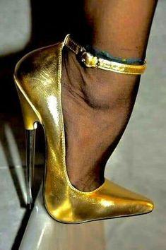 The pleasure of high Heels: Golden pumps black pantyhose Extreme High Heels, Super High Heels, Hot High Heels, Sexy Heels, High Heels Stilettos, Stiletto Heels, Pantyhose Heels, Stockings Heels, Black Pantyhose