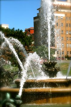 City of Fountains Kansas Usa, Kansas City Missouri, City Pride, Beautiful Places To Live, Moving Water, Fountain Of Youth, Overland Park, Water Fountains, Water Play