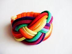 Upcycled bracciale arcobaleno