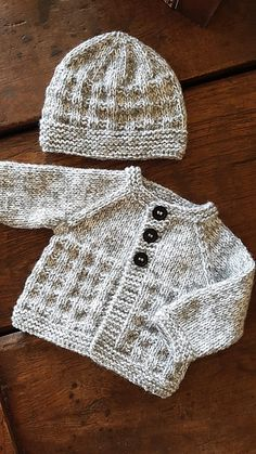 knit cardigan pattern Charlie Baby Cardigan Jacket Ravelry: Charlie Baby Cardigan Jacket pattern by marianna mel Baby Knitting Patterns Free Newborn, Baby Cardigan Knitting Pattern Free, Knitting Patterns Boys, Baby Sweater Patterns, Knitted Baby Cardigan, Knit Baby Sweaters, Knitted Baby Clothes, Baby Hats Knitting, Knitting For Kids