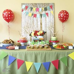 A woodland themed birthday feast! Book Birthday Parties, 3rd Birthday, Storybook Party, Fairy Baby Showers, Camping Parties, Food Themes, Project Nursery, Animal Party, Party Planning