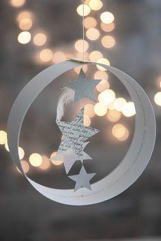* * * * * * Le Père Noël a besoin de petits lutins pour ravir les enfants sages dans quelques semaines ...... ...