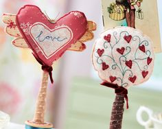 Stitch romantic photo holders, perfect for Valentine's day