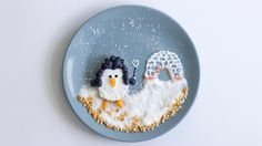 Tellerdekoration Pinguin #reiswaffeln #rice #snow #pinguin #fun #foodie #yummy #loveit #beerenliebe #blueberries #lidlösterreich #idea #sogood #awesome