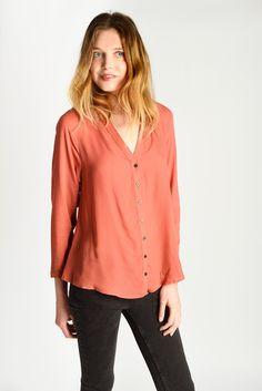 CHEMISE VIRGIN disponible en blanc #lespetitesparis #chemise #style