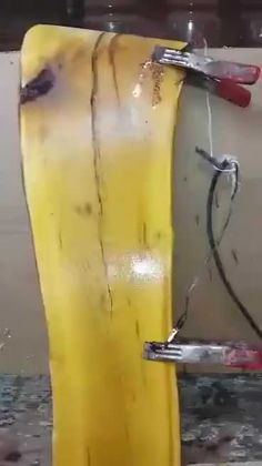Decorating wood with electricity