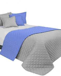 Modro sive luxusne prehozy na manzelsku postel Comforters, Blanket, Bed, Furniture, Home Decor, Creature Comforts, Quilts, Decoration Home, Stream Bed