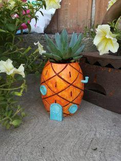 Spongebob Pineapple Plant pot Succulent Planter Pineapple Gifts Pineapple SVG Gift for Her Painted Plant Pots, Painted Flower Pots, Painted Pebbles, Hand Painted, Air Plants, Potted Plants, Spongebob, Pineapple Planting, Pineapple Gifts
