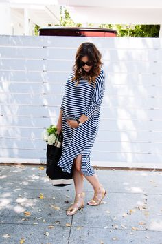 Gently used designer maternity brands you love at up to - Shop. Gently used designer maternity brands you love at up to Spring Maternity, Maternity Wear, Maternity Dresses, Pregnant Dresses, Summer Maternity Fashion, Maternity Styles, Baby Bump Style, Mommy Style, Pregnancy Wardrobe