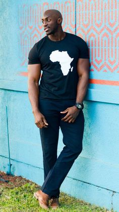 African fashion is available in a wide range of style and design. Whether it is men African fashion or women African fashion, you will notice. Gorgeous Black Men, Handsome Black Men, Black Man, Beautiful, African Men Fashion, Mens Fashion, Fashion Outfits, Ankara Fashion, African Women