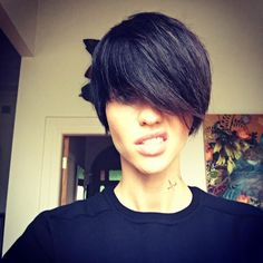 Photos of Ruby Rose Nude - Adele Wolff from XXX, Ares from John Wick and Abigail from Resident Evil. Ruby Rose is a Australian model, DJ, television Look Rock, Ruby Rose Hair, Dream Hair, Hair Today, Hair Dos, Cut And Color, Cute Hairstyles, New Hair, Hair Inspiration