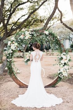 This organic garden San Antonio styled shot is simply beautiful! Allison Jeffers and Wolf Weddings & Events pulled together an amazing team of vendors to create this...