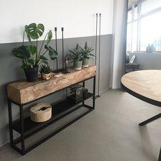 Morning! Tof he, stoeren hand gesmeerde betonnenvloer, onze unieke eiken meubel en hand gemaakte visgraat tafels! Alles handgemaakt &…