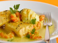 Fricassée de poissons au curcuma – Recettes Discover our easy and quick recipe for Turmeric Fish Fricassee on Current Cuisine! Find the preparation steps, tips and advice for a successful dish. Best Fish Recipes, Quick Recipes, Shrimp Recipes, Meat Recipes, Asian Recipes, Dinner Recipes, Healthy Recipes, Ethnic Recipes, Breakfast Recipes