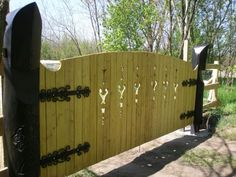 Fences, Gates, Garage Doors, Woodworking, Outdoor Structures, Outdoor Decor, Home Decor, Picket Fences, Woodwork