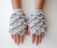 Interesting fingerless gloves - crochet