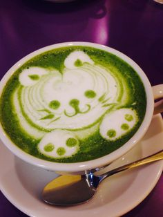 We love a good green tea latte and the kitty makes it even sweeter #latteart