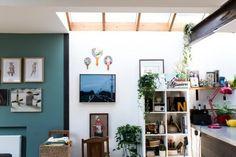 La Maison Jolie: House Envy: Nina Proudman's Home in Offspring Season Masonite Interior Doors, Living Area, Living Room, Living Spaces, Diy Tv Stand, Boho Kitchen, Home Reno, Fashion Room, White Walls
