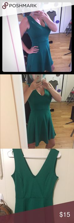 H&M GREEN V DRESS In great condition only worn once! H&M Dresses Mini