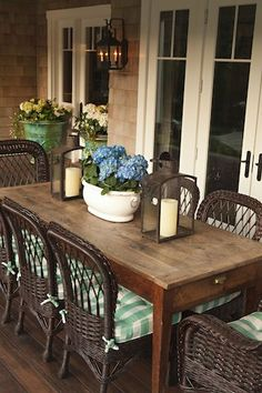 back porch dining....I dream of having a back porch where we can have a huge table for my family to gather around. #patio_table_decor
