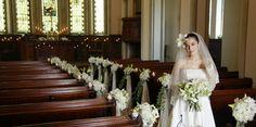 Decoracion de la iglesia en la boda                                                                                                                                                                                 Más