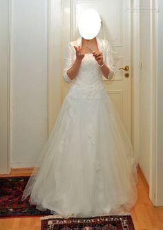 ♥ Wunderschönes Brautkleid mit Spitze ♥  Ansehen: http://www.brautboerse.de/brautkleidverkaufen/wunderschoenes-brautkleid-mit-spitze/   #Brautkleider #Hochzeit #Wedding